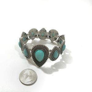 Jewelry - *** 3/$20   NWOT Southwest-style Stretch Bracelet